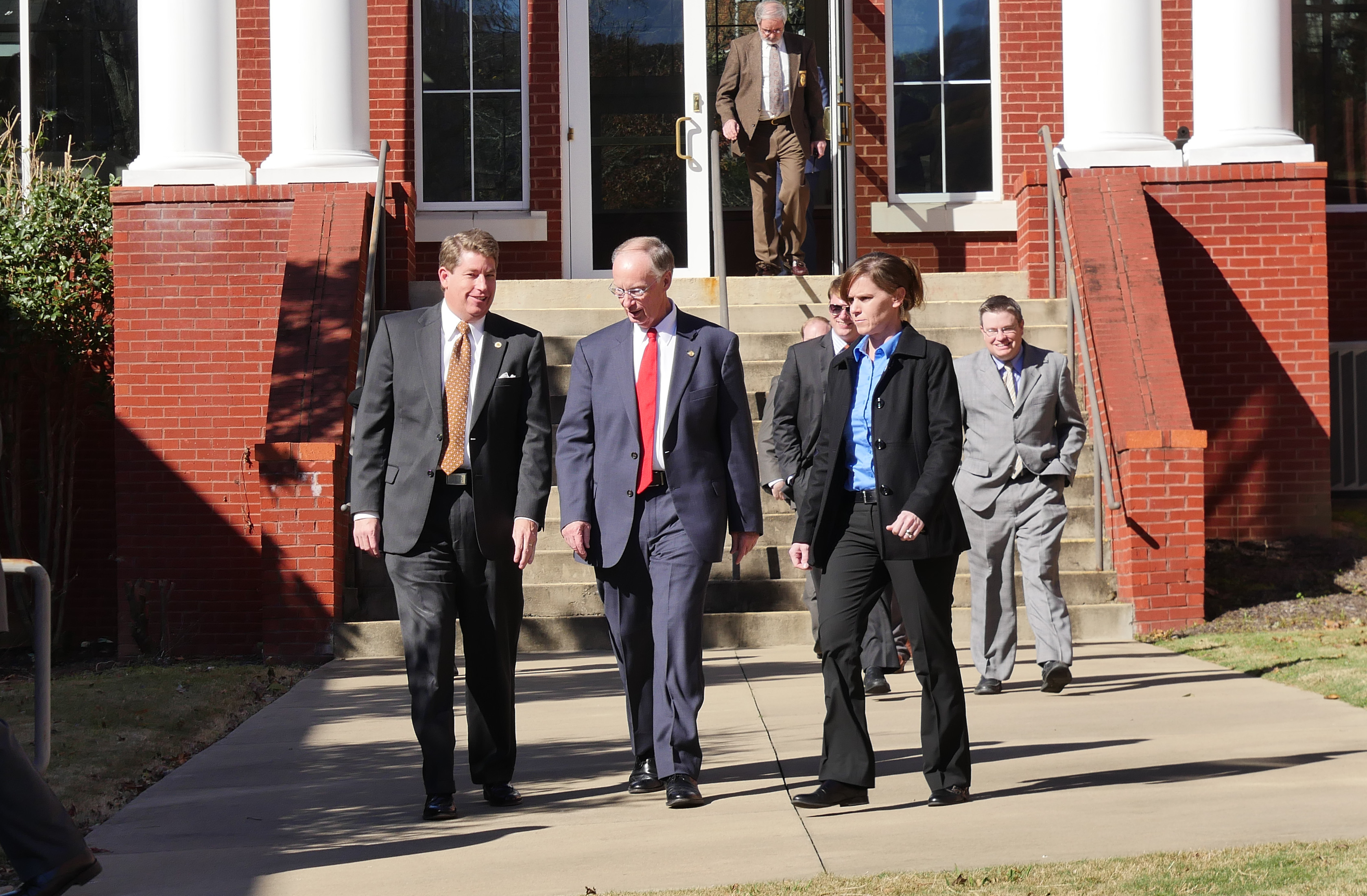 Gov. Bentley visits Fort Payne Monday