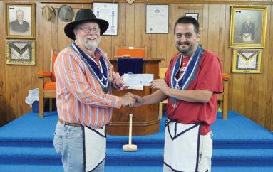 Fort Payne Masons award local man $1,000 academic scholarship