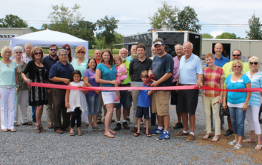 New restaurant in Rainsville, Roadside Que, hosts ribbon cutting