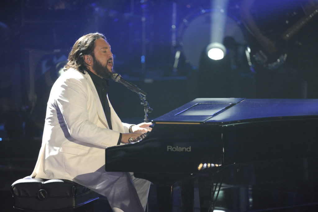 "Reynoso performing on the first season of NBC's ""The Voice."" (Photo from http://www.Nakia.net)"