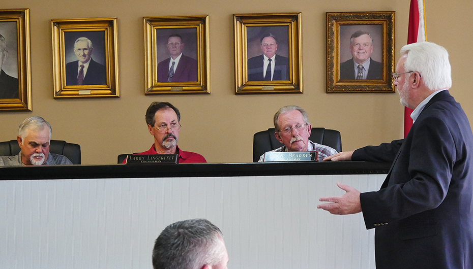 VIDEO: Rep. Kerry Rich presents state contributions to the Town of Geraldine