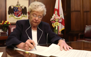 Governor Ivey announces highest rate decrease of unemployment in the nation