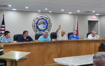 "VIDEO: Rainsville Council ""indefinitely"" tables road paving discussion"