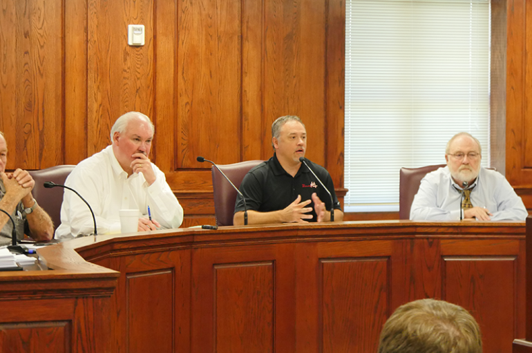 VIDEO: Fort Payne Council moves to let public decide on Sunday Sales