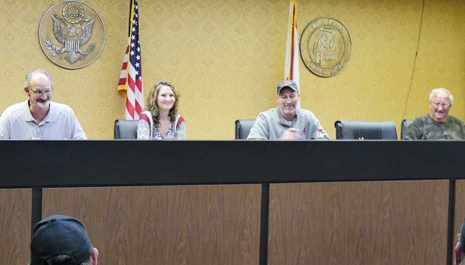 VIDEO: Henagar Council discusses remodeling and employee grievance