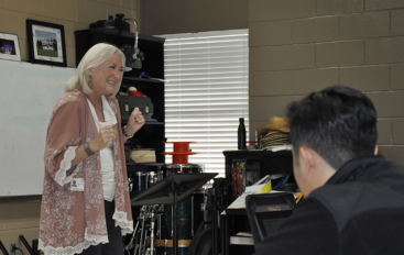 Nationally acclaimed actor Sandra Lafferty works with Fort Payne students