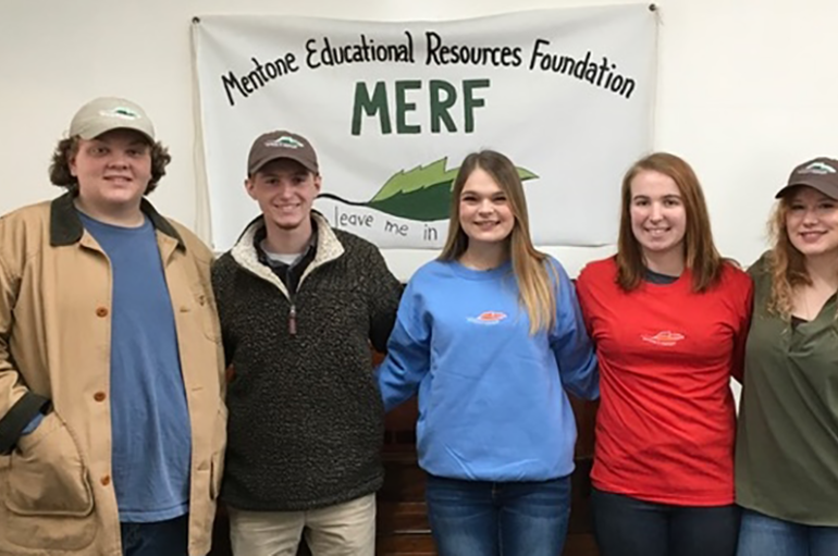 Students receive scholarship from Mentone Foundation