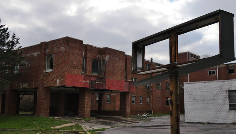 Sign the petition to help Fort Payne demolish the old Hospital!