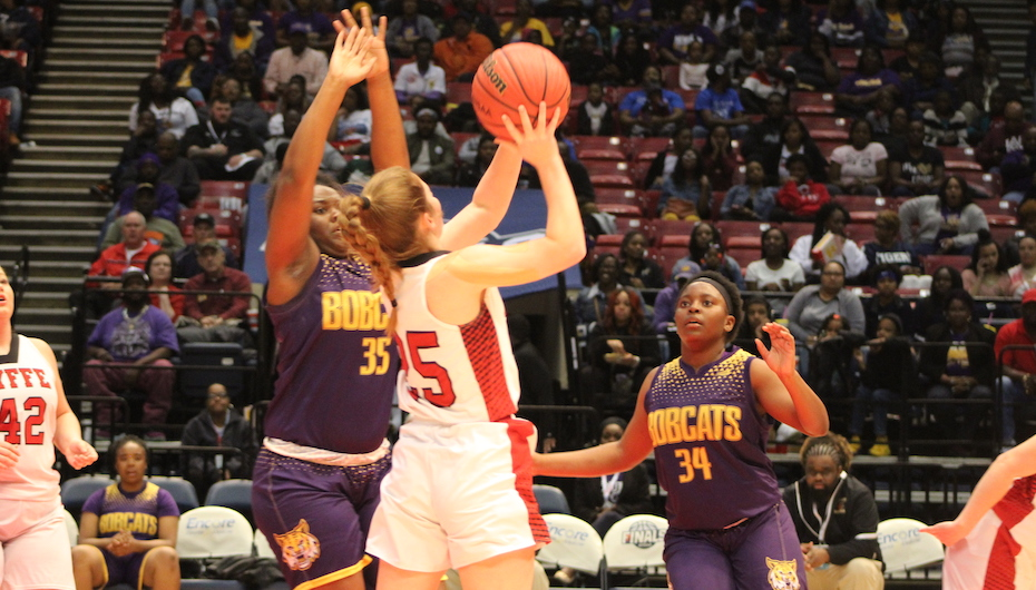 Lady Red Devils Overcome R.C. Hatch