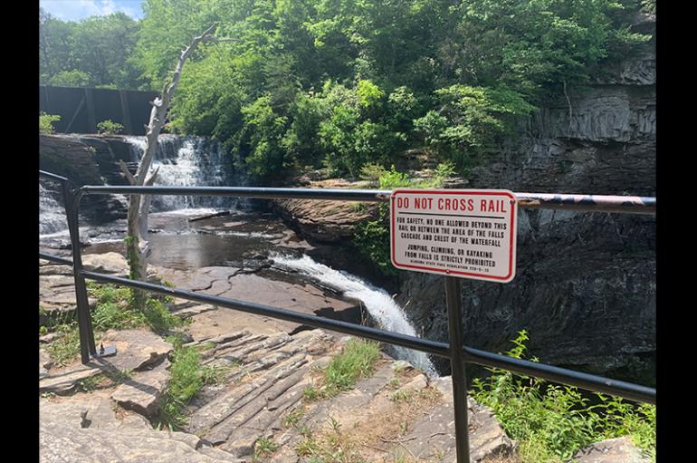 Man Drowns at DeSoto Falls