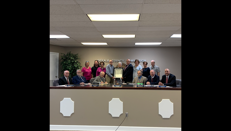 Commission Honors Fort Payne Couple