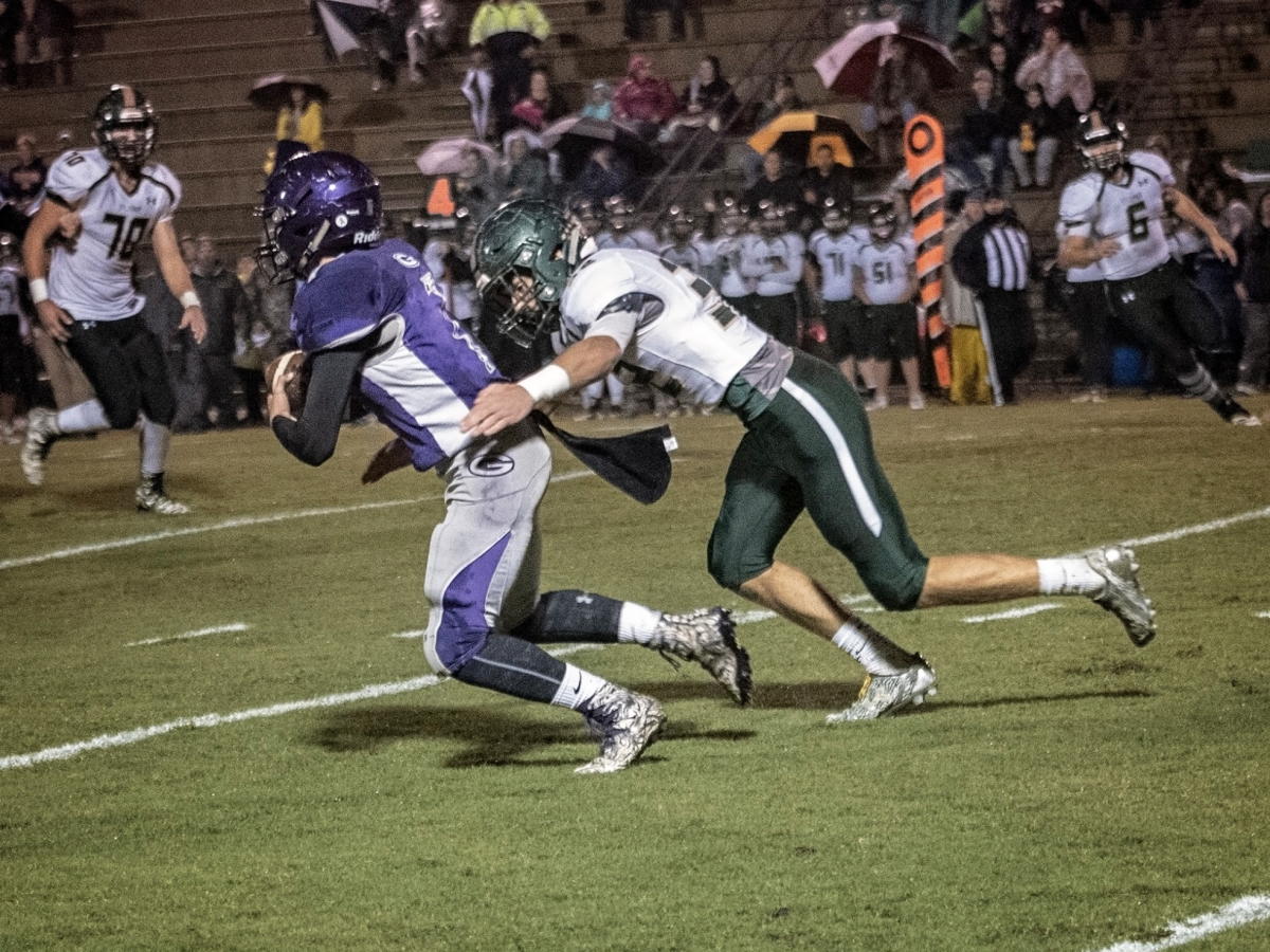 Bulldogs Battle the Rams