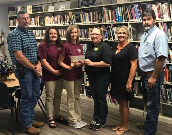 Henagar Library Receives $10K Grant