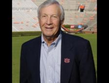 Former Auburn Coach Pat Dye Passes Away