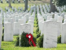 Local DAR Joins Wreaths Across America Campaign