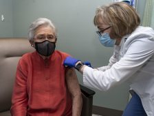Ivey Receives COVID Vaccine