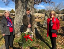 Local DAR Chapter Places Wreaths