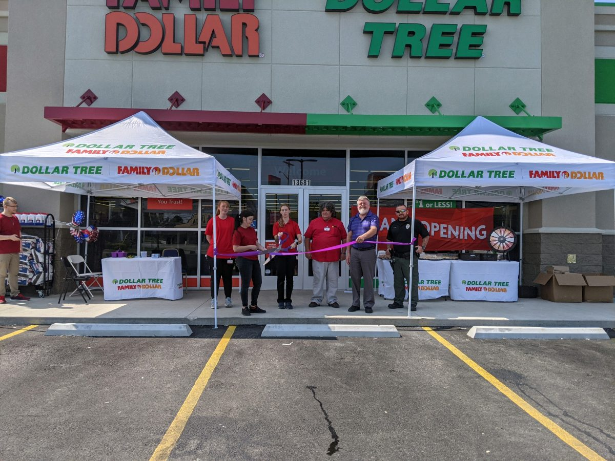 A ribbon-cutting ceremony was held on Saturday for the new Family Dollar and Dollar Tree